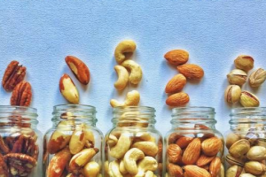Why choose organic nuts vs non-organic
