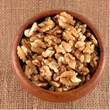 Spray-free Walnuts, halves - NZ grown